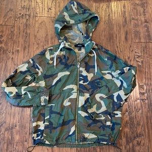 Forever 21 Hooded Camo Jacket size small